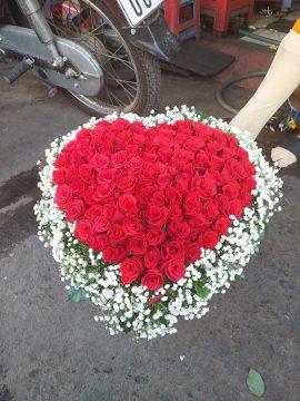 giỏ hoa trái tim đẹp tiền giang