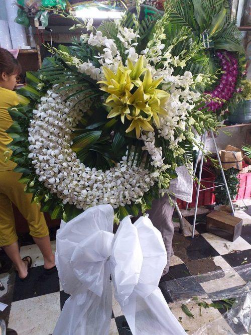 vòng hoa tang lễ tại quận 4
